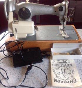 Продам швейную машинку с электроприводом (педаль)