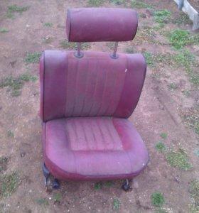 Продам кресло от москвича