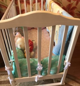 Детская кроватка + бортики «подушки»