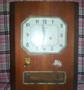 Часы янтарь. Не работают