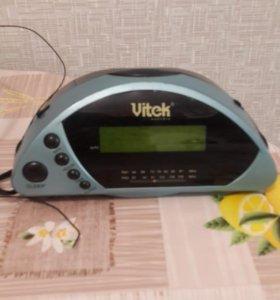 Часы с радио и будильником