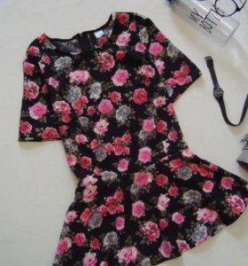 Красивая яркая блуза с баской в цветы h&m