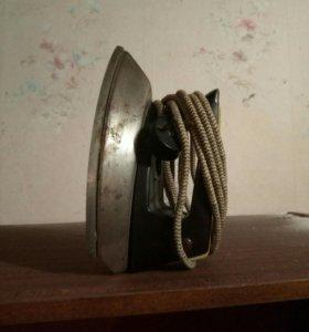 Продам рабочий советский утюг