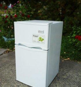 Продам малогабаритный холодильник