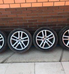 Продам комплект зимних колёс VW