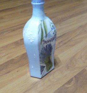 Декоративная бутылка ручной работы декупаж