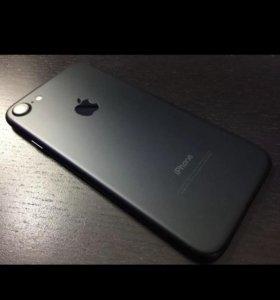 Продам айфона 7