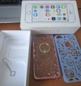 Коробка, 2 чехла Iphone 5 S