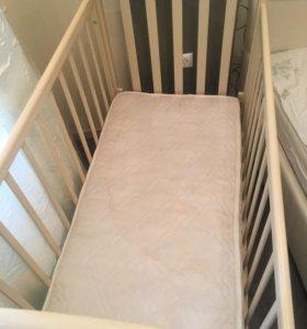 Пеленальный столик и детская кроватка качалка