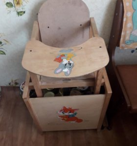 Стульчик для кормления(деревянный).