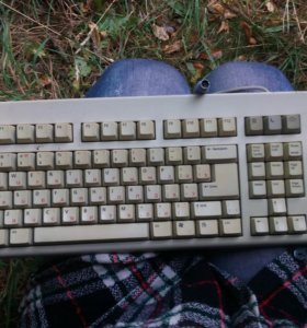 Клавиатура (старого образца) со шнуром
