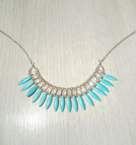 Ожерелье из бижутерии