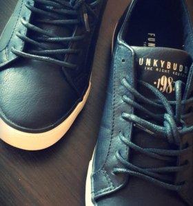 Новые кроссовки Funky Buddha