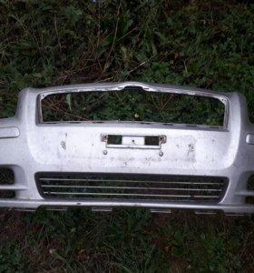 Передний бампер на тойоту авенсис ( кузов т250 )