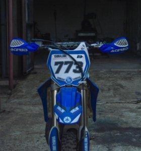 Мотоцикл Yamaha yz 125 в идеальном состоянии!