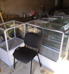 Торговое оборудование (витрины)