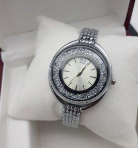 Женские часы Swarowskiy