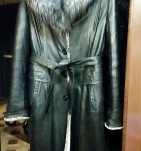 Кожанное зимнее пальто 44-46р