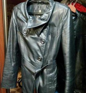 Кожанная осенняя куртка 44 р-р
