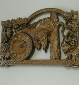Часы из натурального дерева