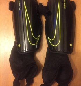 Щитки детские Nike р-р S