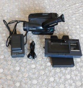 видеокамера Panasonic VHS-C MOVIE CAMERA NV-S250