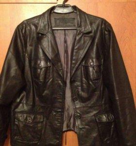 Классная кожаная куртка 52-54