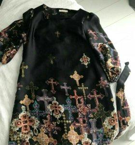 Платье с крестами......