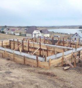 Монтаж фундамента,бруса,крыши.