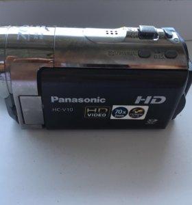 Продаю цифровую видеокамеру Panasonic HC-V10