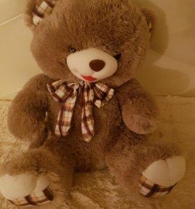 Медведь плюшевая игрушка