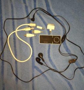 Мп3-плеер + наушники + зарядка