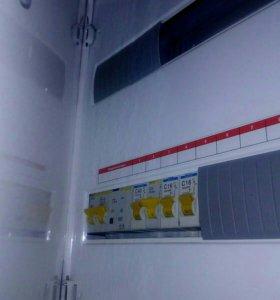 Электрик установка люстр,розеток,выключателей.
