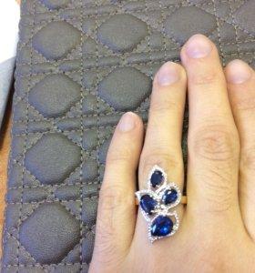 Эксклюзивное золотое кольцо с сапфиром и бриллиант