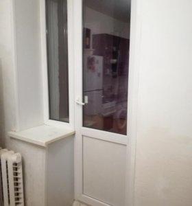 Дверь балконная с глухим стеклом