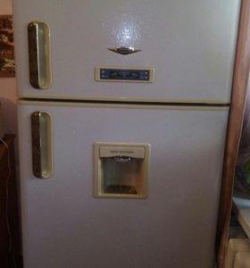 Продам Холодильник (Дэу).