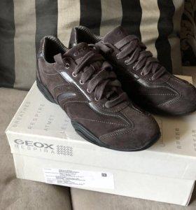 Geox кроссовки новые