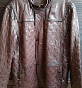 Продаю кожаную мужскую куртку