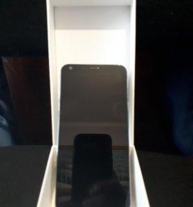 Продам смартфон LG-Q6a Есть небольшой скол