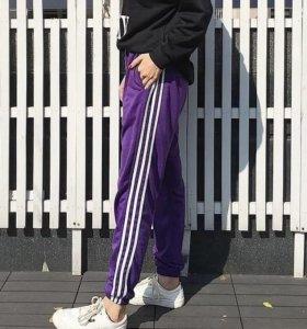 Спортивные штаны с полосками