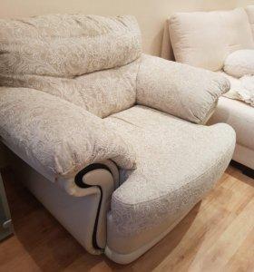 Кресло белое