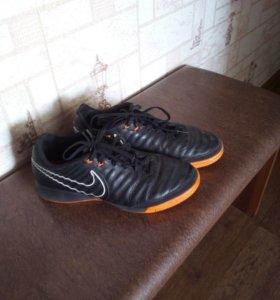 Футзалки Nike legend 7