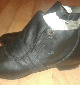 Ботинки,нат кожа,37 размер