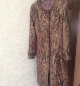 """Продаётся облегченное пальто «Eleni viare """" б/у"""