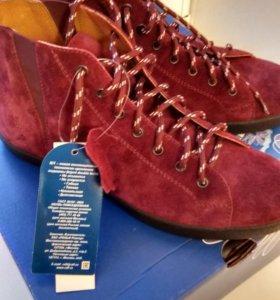 Ботинки замшевые новые Ralf ringer