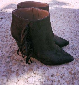 Ботильоны-ботинки с бахромой, замшевые 38р