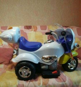 Детский мотоцикл на аккумулятор е