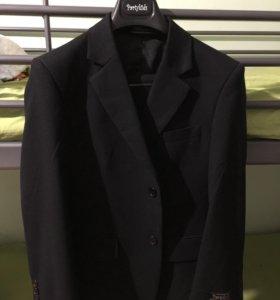 Новый костюм для мальчика 140+