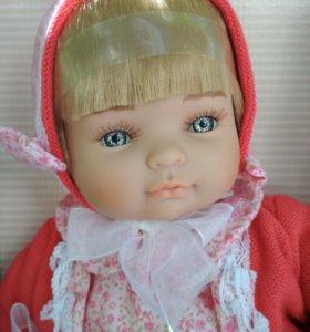 Очень красивая кукла производства Испании