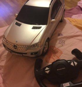Игровая машина на пульте Mercedes